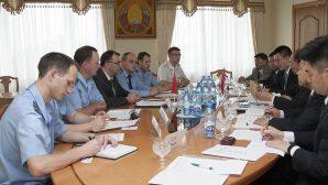 В Минске обсудили проблематику торговли поддельными товарами с представителями Китая
