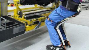 В Швейцарии работу сотрудников облегчат экзоскелеты-стулья