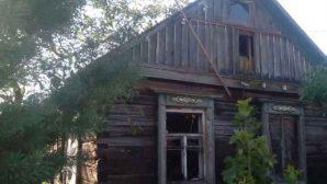 В Буда-Кошелевском районе в своем деревянном доме едва не сгорел пенсионер