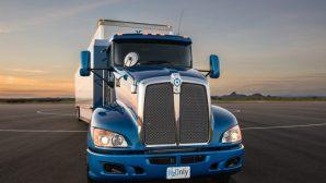 В США начали эксплуатацию грузовика с водородным двигателем от Toyota