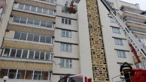 В Гродно при пожаре в квартире спасли мужчину и женщину