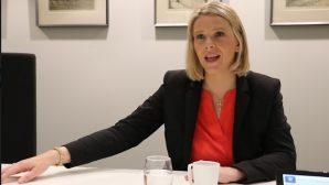 """Министр здравоохранения Норвегии дала """"зеленый свет"""" алкоголю и курению"""