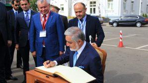 Премьер-министр Афганистана прокатился на тракторе «BELARUS»