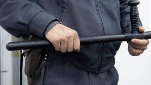 В Казахстане не стали отправлять в тюрьму конвоира, признанного виновным в избиении педофила