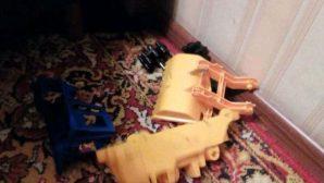 В Минске ребенку зажало руку в игрушке