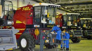 «Гомсельмаш» направляет в Казахстан крупную партию машинокомплектов для сборки комбайнов