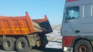 В Казахстане спасатели выезжали на помощь белорусским дальнобойщикам