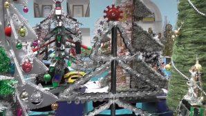 В Пинске представлено около150 уникальных елок на конкурсе «Техно Ёлка-2018»