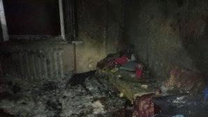 Выпил, закурил, едва не сгорел - на пожаре в Минске спасли мужчину