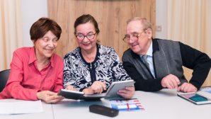 Белорусские пенсионеры переключились с соцсетей на мессенджеры - МТС