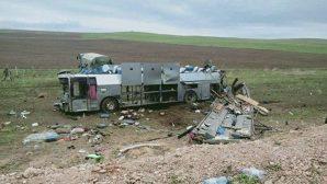 В Казахстане автобус пытался объехать аварию и перевернулся сам: 11 погибших и десятки раненных