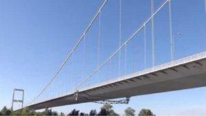 В Казахстане самоубийца бросилась с моста в реку, но осталась жива
