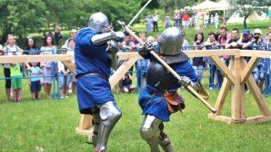 В Коложском парке Гродно проходит фестиваль средневековой культуры «Мяжа»