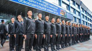 """На """"БелАЗе"""" побывали китайские солдаты"""